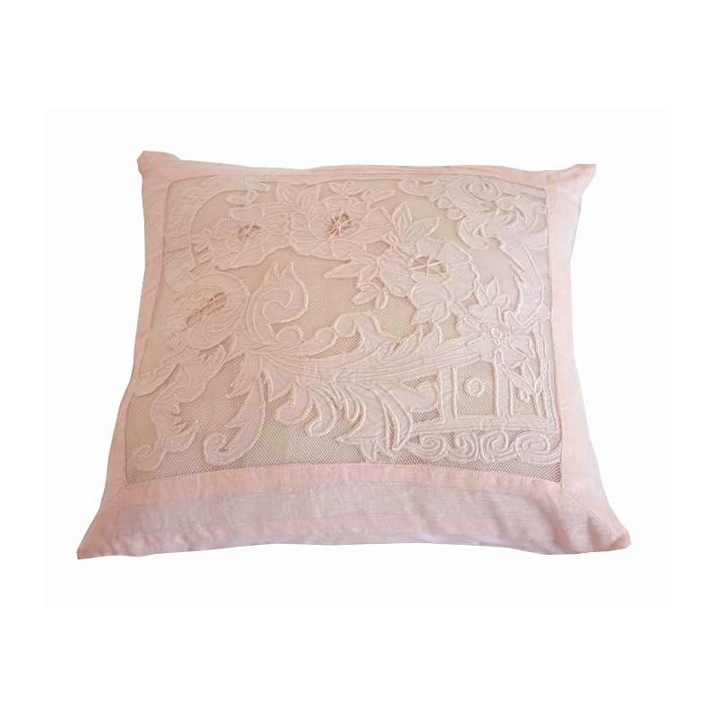 coussin reine rose poudr 45x45 de chez coquecigrues. Black Bedroom Furniture Sets. Home Design Ideas