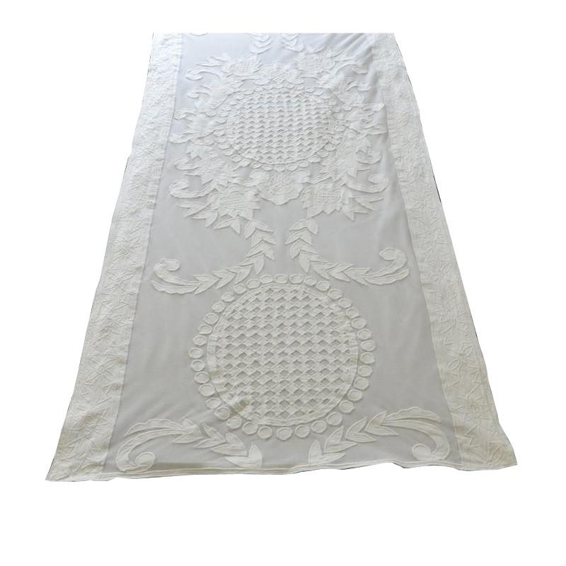 Chemin de table chim ne ivoire 60x180 cm de chez coquecigrues for Chemin de table 180 cm