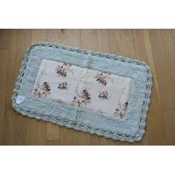 Rug with crochet Shabby green