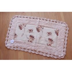 Rug with crochet ass.