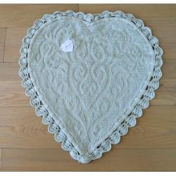 Jacquard heart rug with crochet green