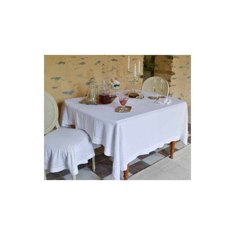 nappe sortil ges blanche une cr ation amandine de br velay pour une d co shabby chic. Black Bedroom Furniture Sets. Home Design Ideas