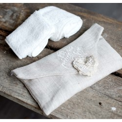 Pochette avec 3 petites serviettes 30x30 cm