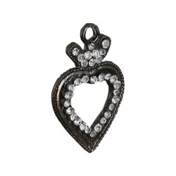 Heart-shaped pendant with crystals