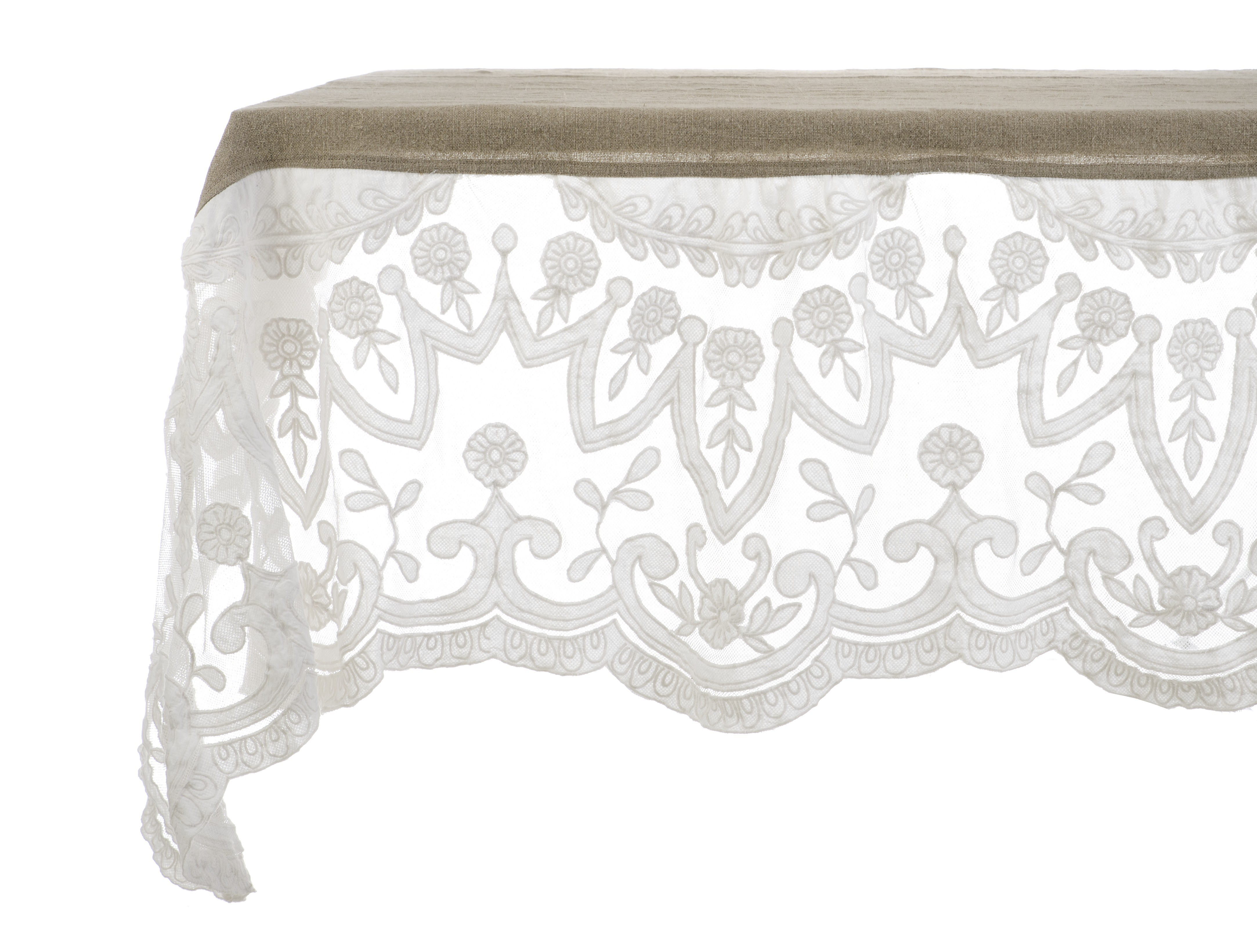 Table cloth with lace Villa Madama by Blanc Mariclo for a shabby