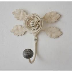 Crochet Hellebore couleur blanc sablé