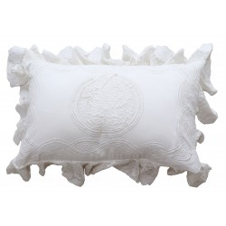 Rectangular white cushion Falbala 30 x 45 cm