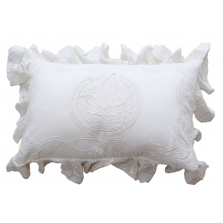 Rectangular white cushion Falbala 30 x 45 cm