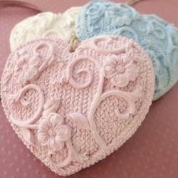 Cœur tricoté à parfumer rose tendre brut