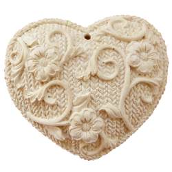 Heart knitted scent of honey color