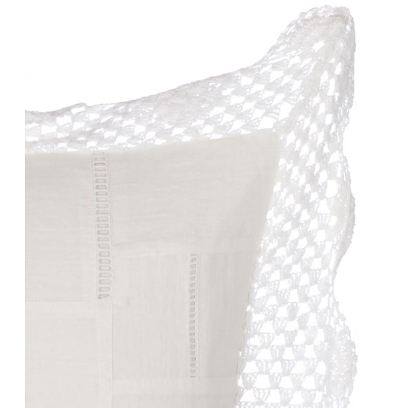 coussin brod 45 x 45 cm vintage lace collection par blanc mariclo sur. Black Bedroom Furniture Sets. Home Design Ideas
